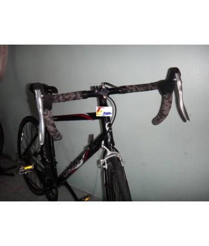 จักรยานเสือหมอบ Giant รุ่น windmark 2200 มือสองญี่ปุ่น  สภาพสวยมากๆ
