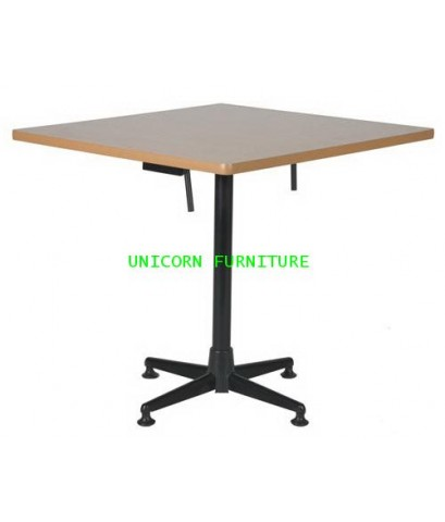 โต๊ะพับ รุ่น UN-837