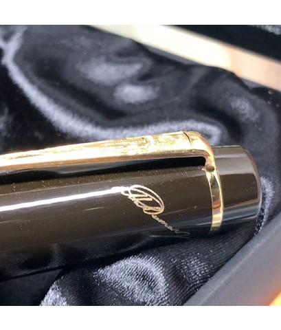 ปากกาหมึกแห้ง MONTBLANC ปี 1996 Limited 13780 / 16000 ALEXANDRE DUMAS ตัวด้ามอครีลิคดำแกะลายสอดเส้นท