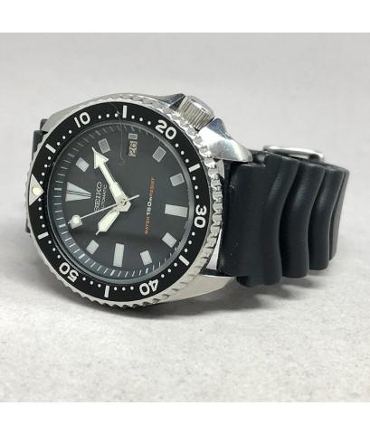 SEIKO Vintage 1991 diver รหัส 7002-7000 ใส่ได้ทั้งชาย และหญิง size 42.5 mm หน้าปัดดำ พิมพ์พรายน้ำเหล