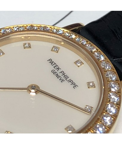 PATEK PHILIPPE 4820 Calatrava Lady watch 25mm หน้าปัดสีครีมงาช้างประดับเพชรแท้ 12 เม็ด กระจกแซฟไฟล์เ