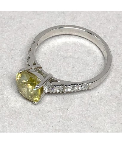 แหวนทองขาวประดับเพชรแท้แฟนซี Yellow Diamond เม็ดเดี่ยวขนาด 1.55 กะรัต เม็ดย่อยเพชรขาว 0.025x8 กะรัต