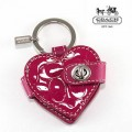 พวงกุญแจ COACH EMBOSSED PATENT RED HEART KEYCHAIN 92325