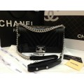 Chanel  Chevron Quilted Lambskin  Medium Boy Bag สีดำโซ่เงินค่ะ 9.8 นิ้ว Top mirror image