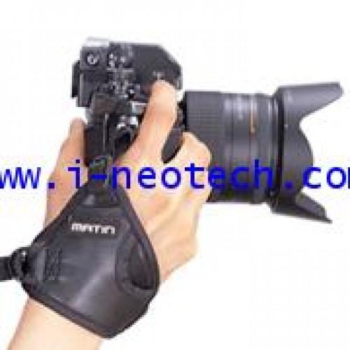 NT-MT-M6743 สายรัดข้อมือกล้อง MATIN รุ่น  M-6743 กริ๊ป-๓ หนังแท้ สีดำ