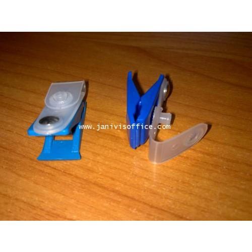 คลิ๊บติดบัตรพลาสติก สีน้ำเงิน(20ห่อ)