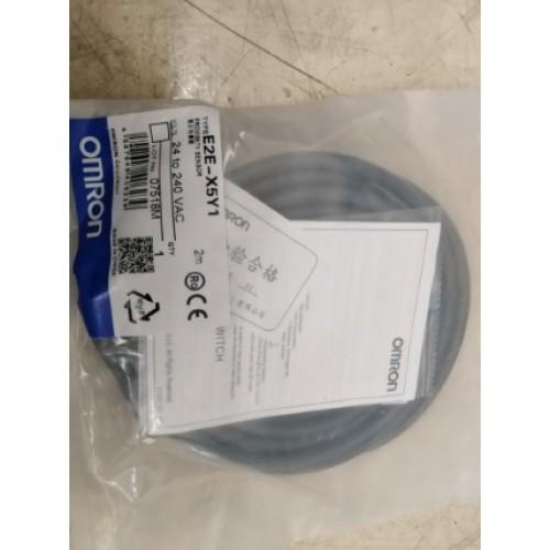 OMRON E2E-X5Y1 2m ราคา 1050 บาท