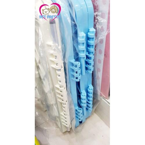 คอกสุนัขกรงสุนัขพลาสติกคุณภาพสูงแข็งแรง มีประตูรุ่น China66 ซื้อเพิ่มไปต่อกันได้-สีฟ้าขาวชมพู