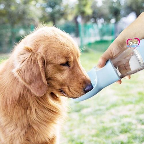 ขวดน้ำพกพา สำหรับสุนัข Pet Water  Bottle Pet Feeder Bowl +มีถ้วยใส่อาหาร   มีสีชมพู
