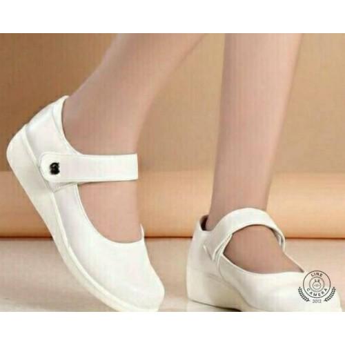 รองเท้าสีขาว พยาบาล มีสายคาด ผู้หญิง ส้นเตารีด หัวกลม หนังด้านนิ่ม