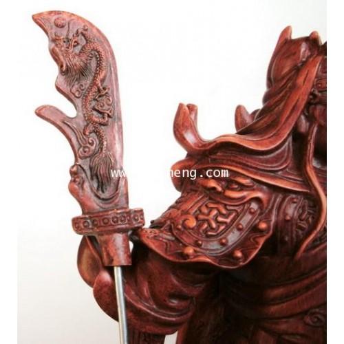 เทพเจ้ากวนอูเรซิ่นลายไม้ ปางยืนบัญชาการ ขนาด 12 นิ้ว